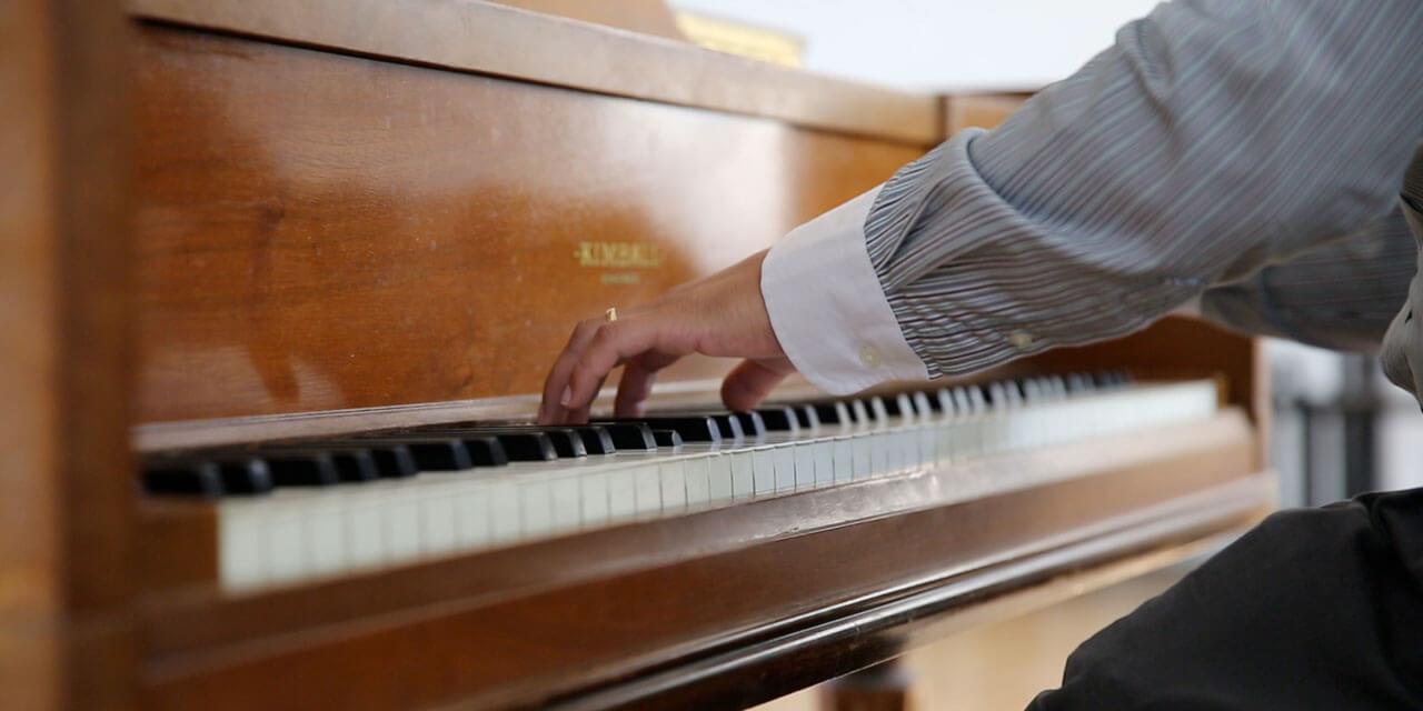 はじめてでも弾ける!ピアノレッスン | 指番号と左右の手の使い分け